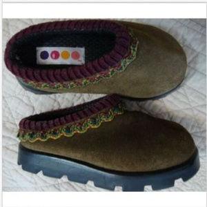 🌻 GYMBOREE Green Suede Slip-On Clogs Shoes Vintag